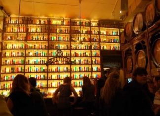 bar in athens